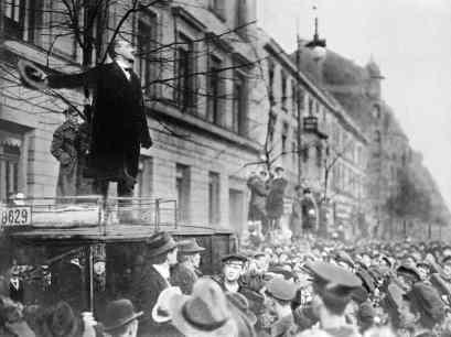 1919_liebknechtsparticists