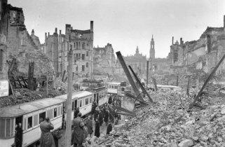 ger-dresden-firebombing-70th-anniversary
