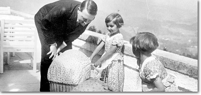 Hitler and girls, shadow